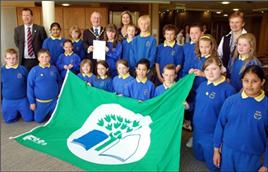Bleary Primary School receiving their Green Flag